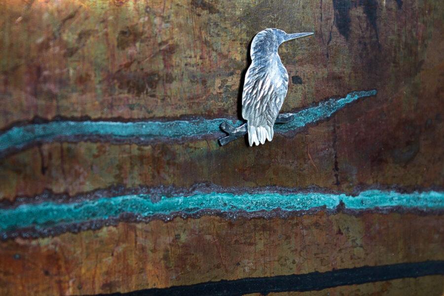 Anneke Bruin, 'IJsvogeltje op tak' , zilver / koper