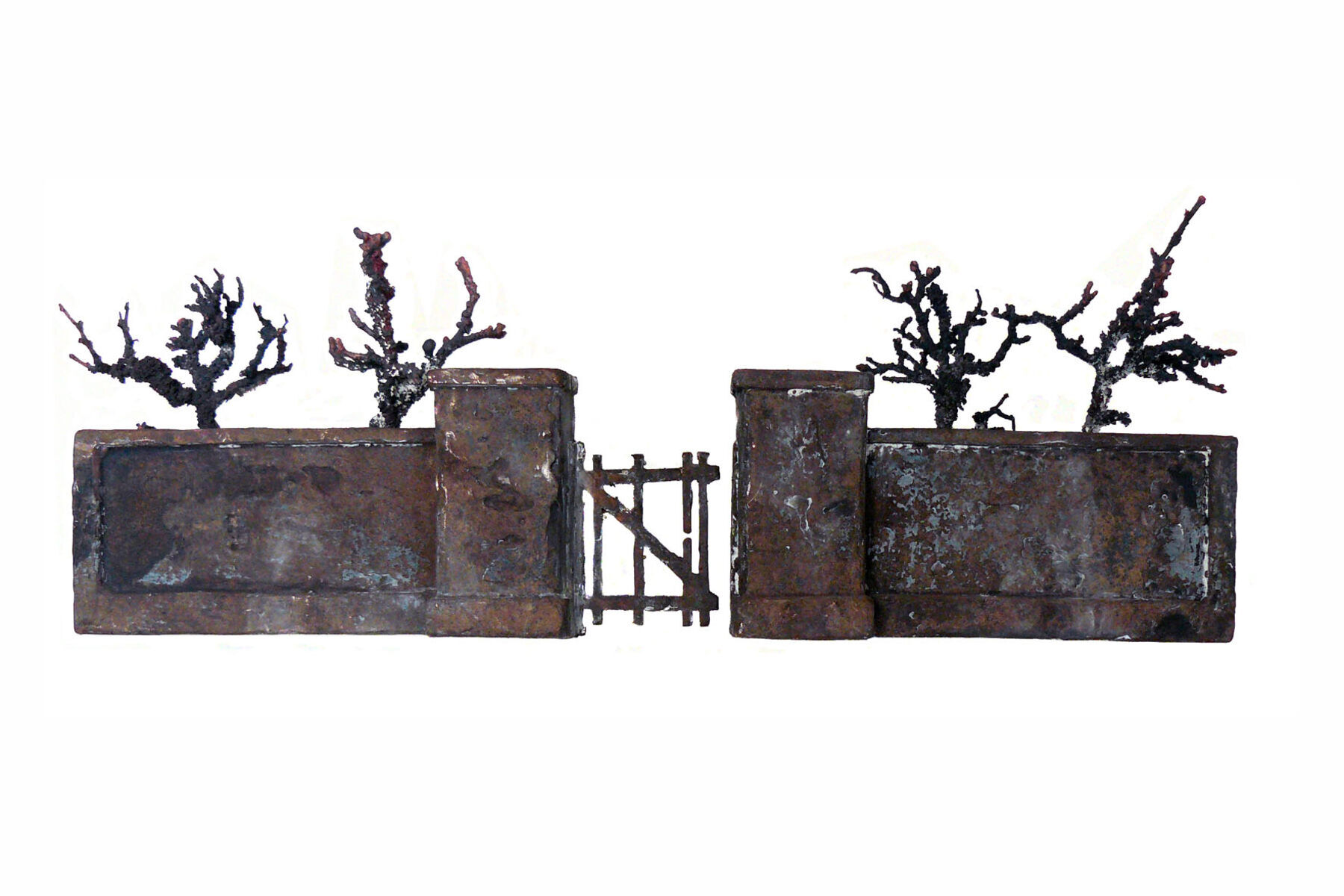 Harry de Leeuw, 'Oude muur' , brons 17 x 45 x 10 cm. 2015