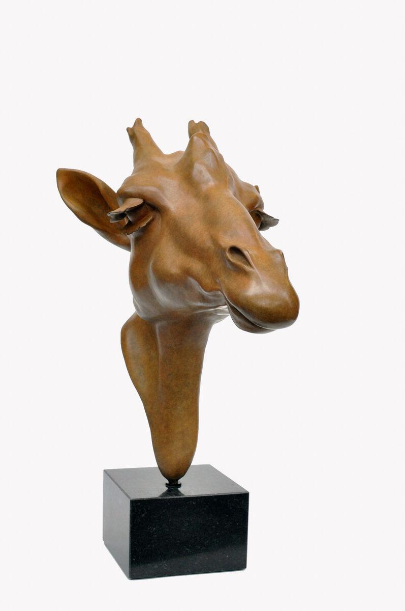 Renee Marcus Janssen  Giraffe 2  brons