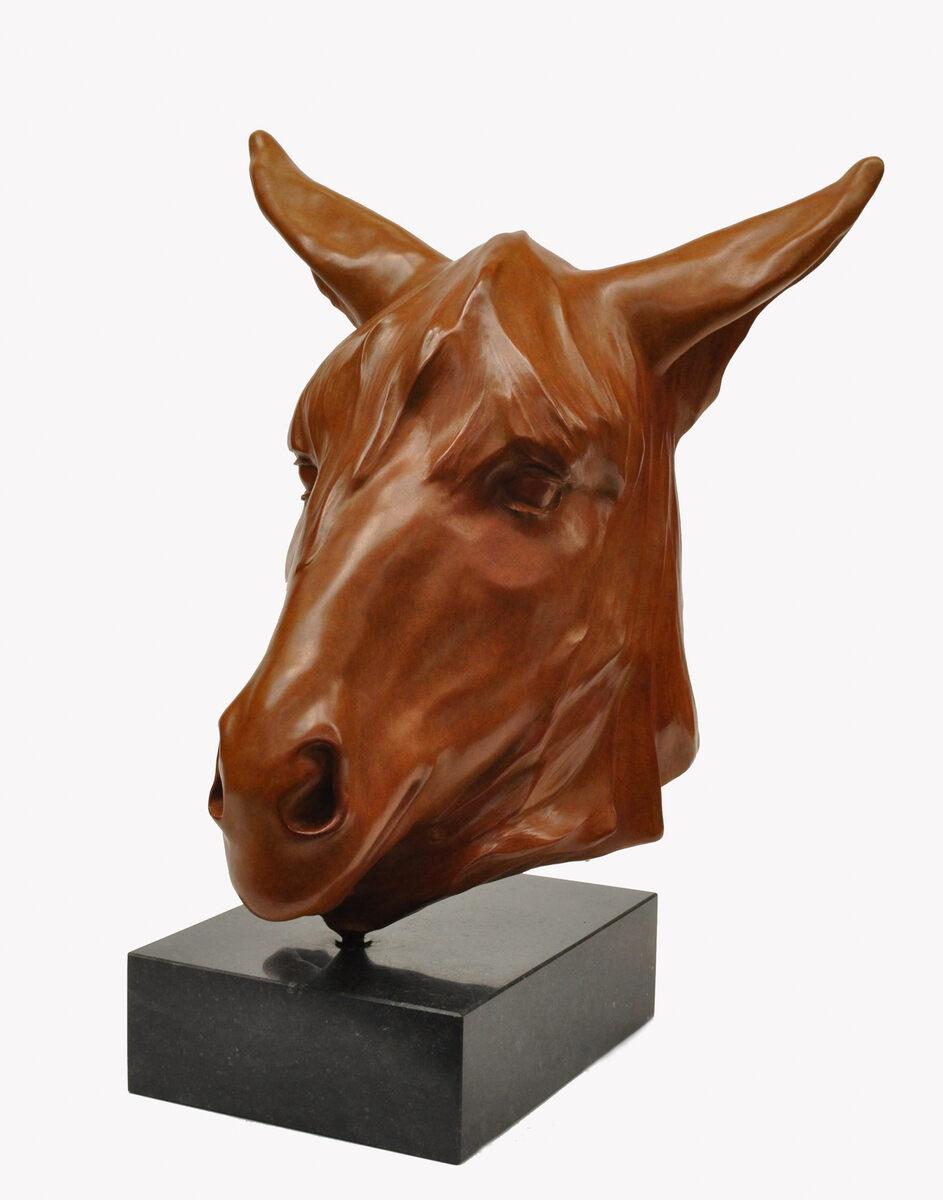 Renée Marcus Janssen  Poitu ezel  brons h 49 cm.