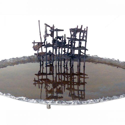 gvv, Harry de Leeuw  'Vissteiger'  brons, 30 x 63 x 63 cm.