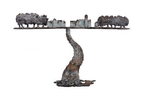 Harry de Leeuw  'Plaats aan de einder'  33x54x17 cm
